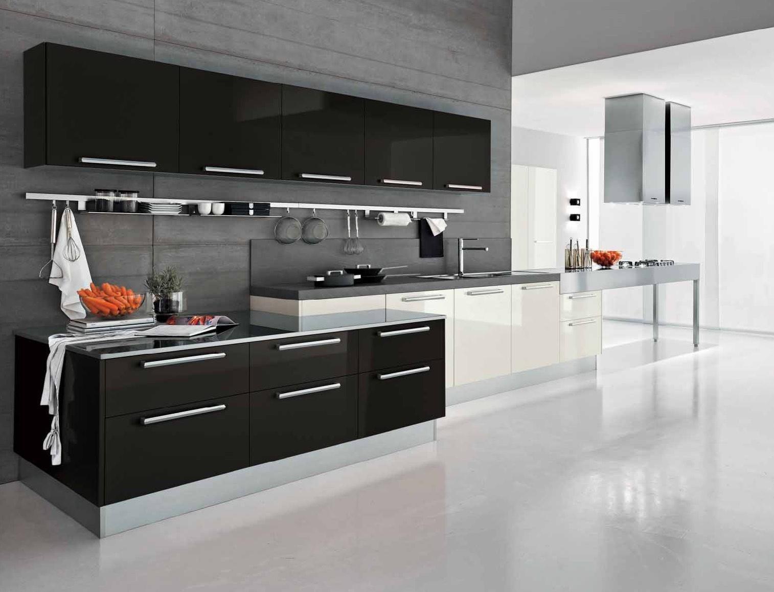 Кухня черно-белая дизайн с цветами